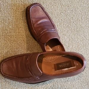 Men's Tasso Elba size 9 brown leather loafers